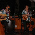Dwight Kanae and Tony Conjugacion KSK '79 enterain our alumni at Aulani's ʻŌlelo Room