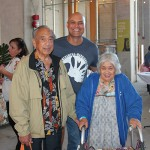 Ben Yin KSK'49 and Muriel (Ho) Yin KSK'50 with Interim Executive Director Pono Ma'a KSK'82