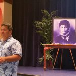 KSM Interim Poʻo Kula J. Kaleo Pahukula welcomes alumni during the Opening Chapel.